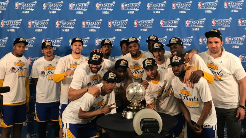 Warriors Sweep Into NBA History